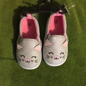 Toddler girl's cat inspired shoes